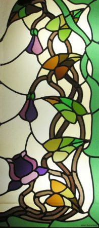 vitrail de style art nouveau motif floral couleur automnale